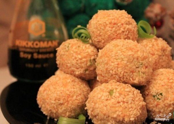 Салат в шариках с рисом и консервой