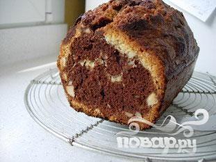 Шоколадный кекс с миндалем