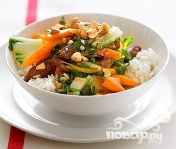 Жаркое из говядины с китайской капустой
