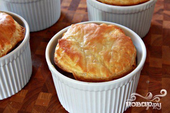 Пироги с креветками и колбасой