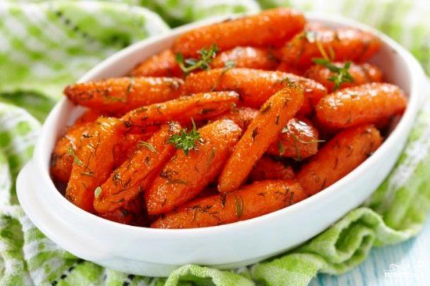 Сладкая глазированная морковь