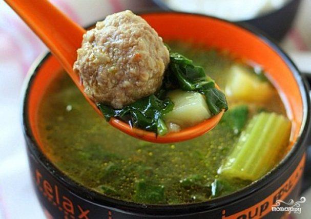 Суп с фрикадельками и сельдереем