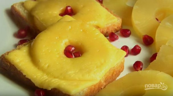 Бутерброды с сыром и ананасами