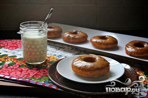 Банановые пончики с арахисовой глазурью
