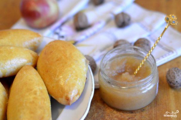 Пирожки с яблочным повидлом