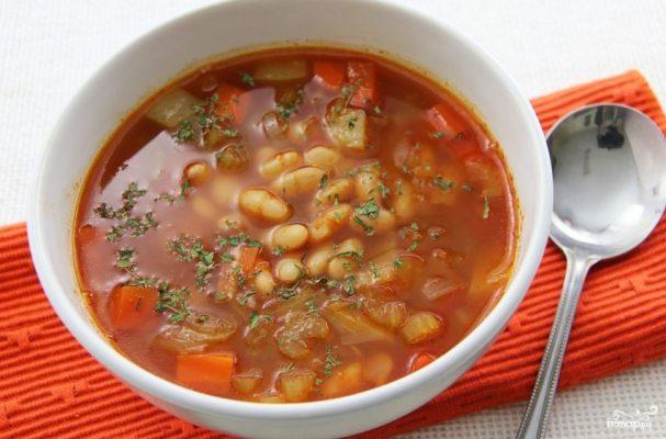 овощной суп из фасоли и помидоров в собственном соку лук порей