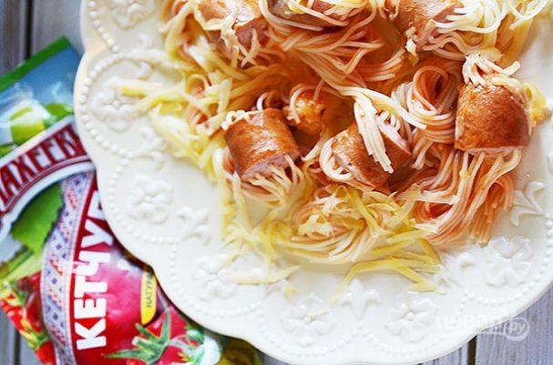 """Лучший рецепт спагетти в сосисках, с сыром и кетчупом """"Махеевъ"""""""