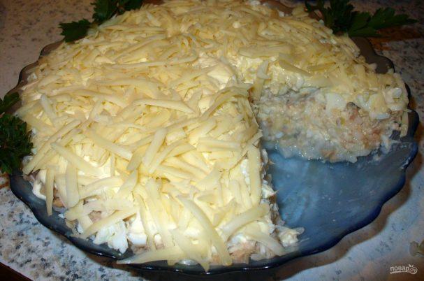 Быстрый салат из горбуши консервированной