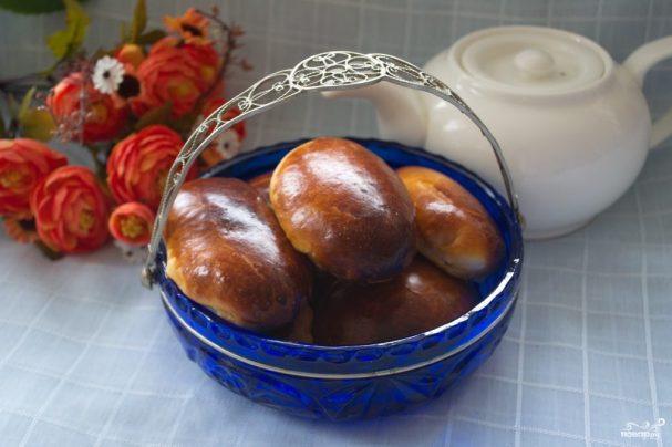 Печеные пирожки из дрожжевого теста