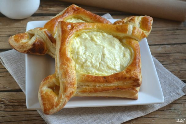 Слоеное тесто с творогом пирог рецепт пошагово в