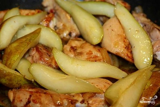 Куриное филе с грушей