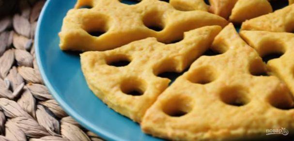 Простые сырные крекеры