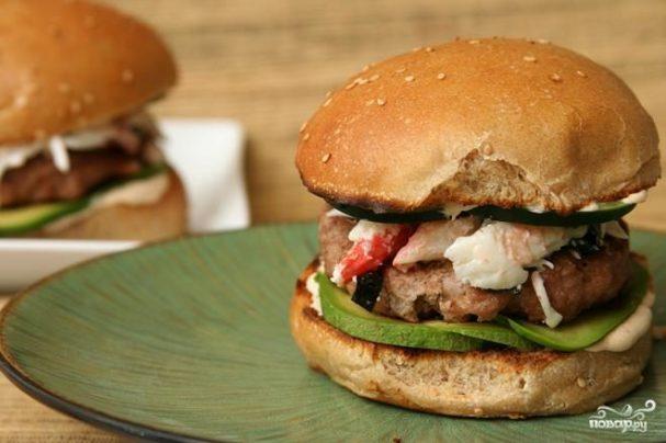 Бургеры с говядиной и крабовым мясом