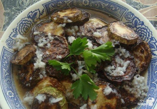 Жареные кабачки с уксусом и чесноком