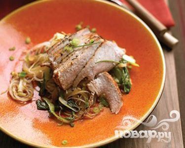 Свиные отбивные с китайской капустой и рисом