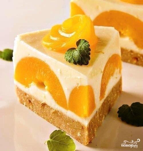 Йогуртный торт с персиками и лимоном