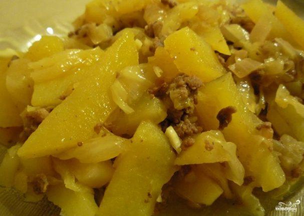 рецепт тушёная капуста с картошкой и мясом