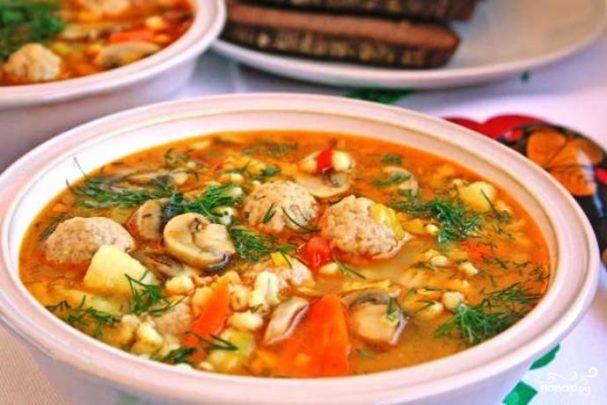 Суп с фрикадельками и перловкой