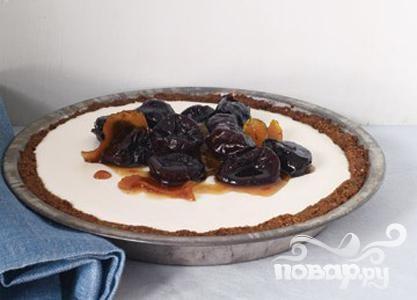 Пирог с панна котой и черносливом