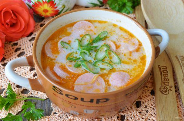 Суп с квашеной капустой и сосисками