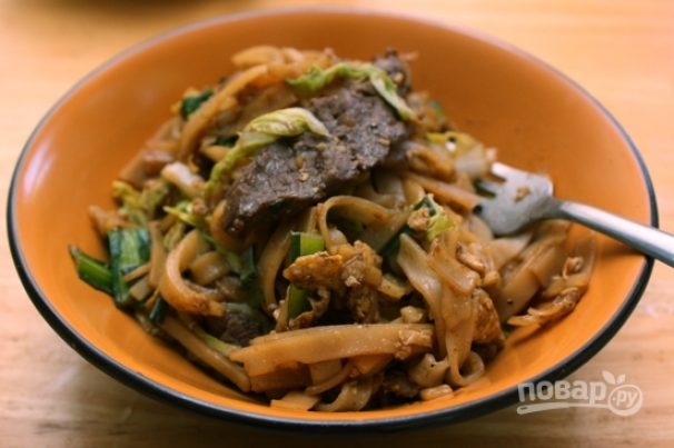 Лапша с говядиной и китайской капустой