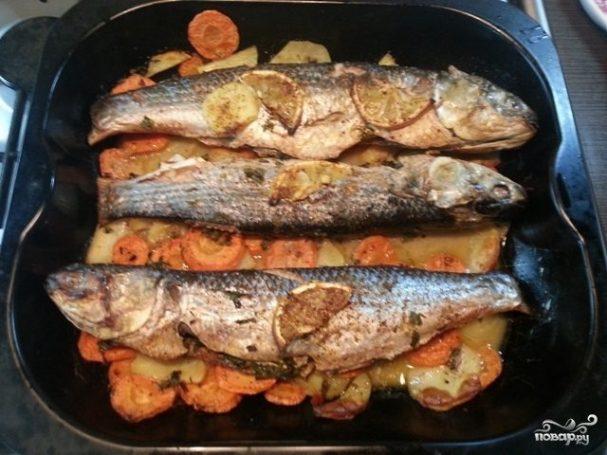 Кефаль в духовке с овощами