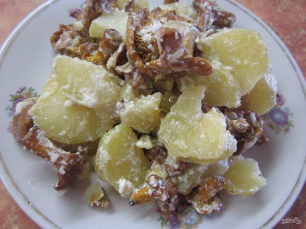 Грибы с картошкой в сметане