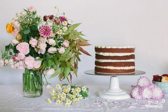 Бисквитный торт с фруктовой начинкой