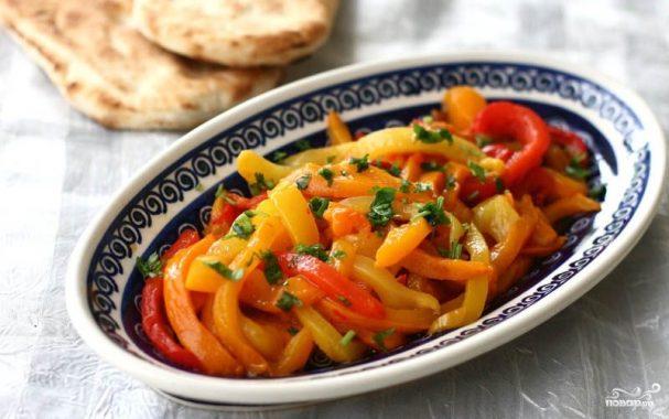 Салат с болгарским красным перцем