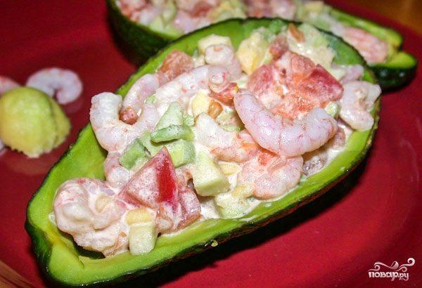 Салат из авокадо и креветок