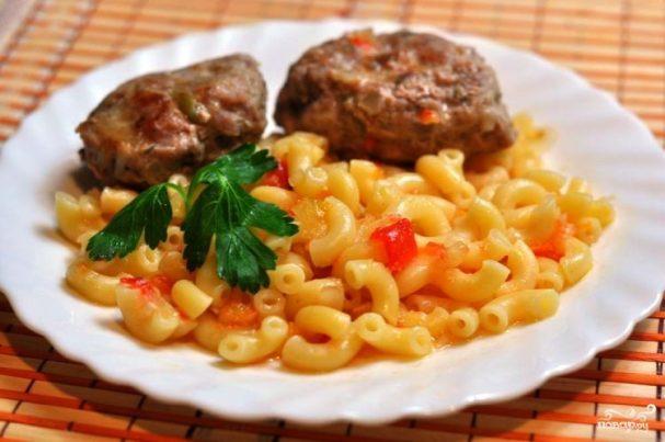 Мясо с гарниром в мультиварке