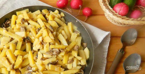 Шампиньоны с картошкой жареные