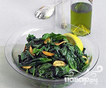 Жареный шпинат с чесноком