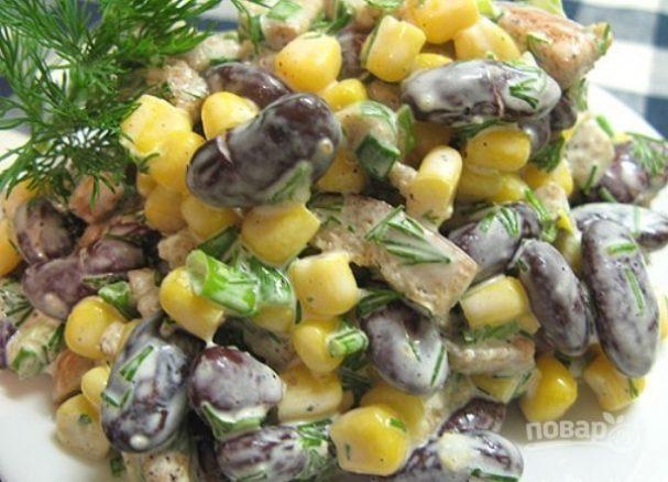 """Салат с фасолью и """"Кириешками"""""""