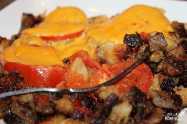 Говядина с помидорами и сыром