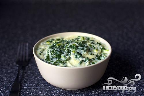 Сливочный соус с луком и мангольдом