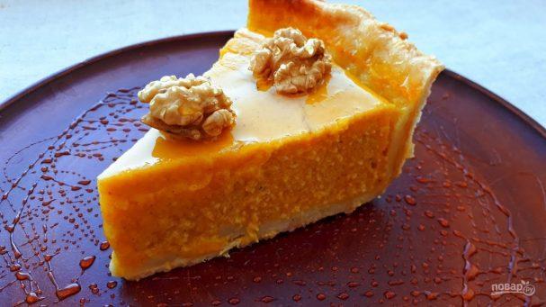 Пирог с тыквой, мёдом и орехами