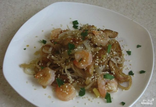 Лапша по-сингапурски с креветками