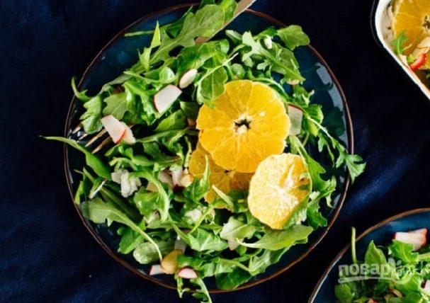 Салат с апельсином и рукколой