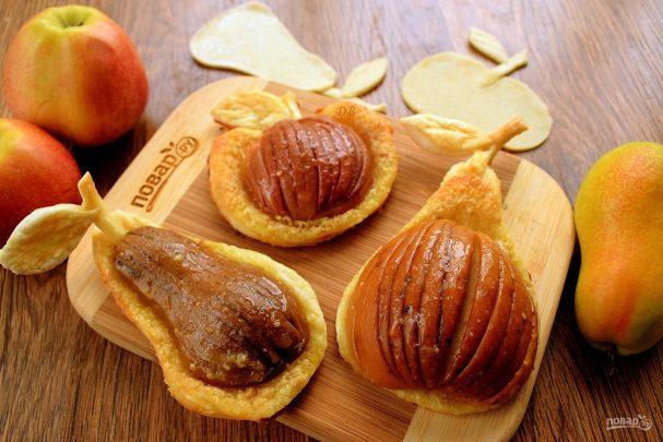 Яблоки и груши в тесте