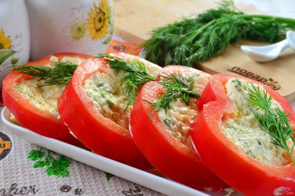 Красивая закуска из перцев и сыра