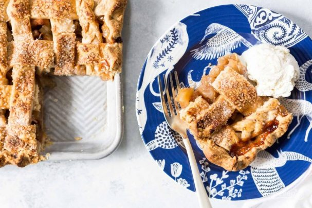 Яблочный пирог с хрустящей корочкой