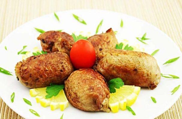 Куриные шейки, фаршированные потрошками