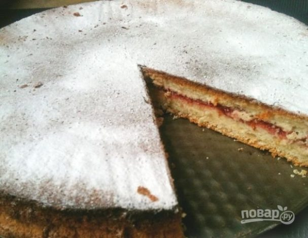 Бисквитный торт с вареньем