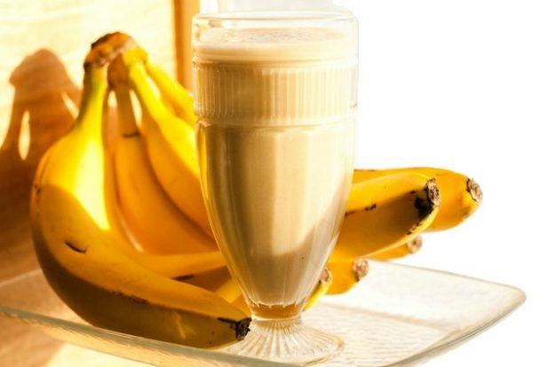 Бананово-кефирный коктейль