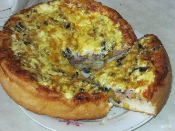 Пицца с вешенками и кукурузой
