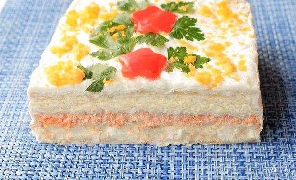 Лучший закусочный торт из крекеров и рыбной консервы