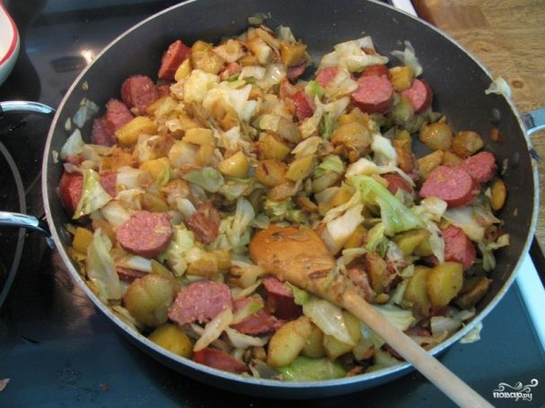 Жареная картошка с капустой