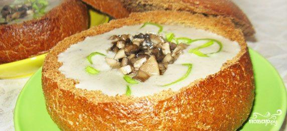 Суп пюре из шампиньонов в хлебе