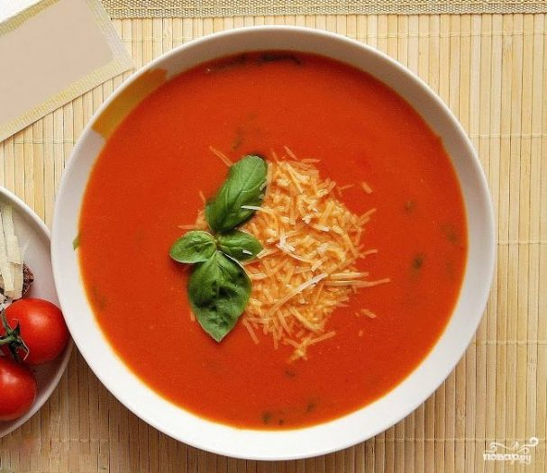Томатный суп с сыром